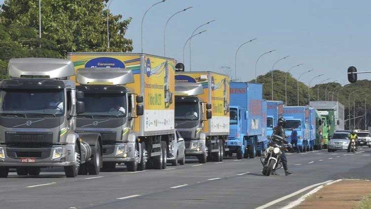 Em estado de greve, caminhoneiros afirmam que paralisação ocorrerá principalmente em Santos ANTÔNIO CRUZ/ABR