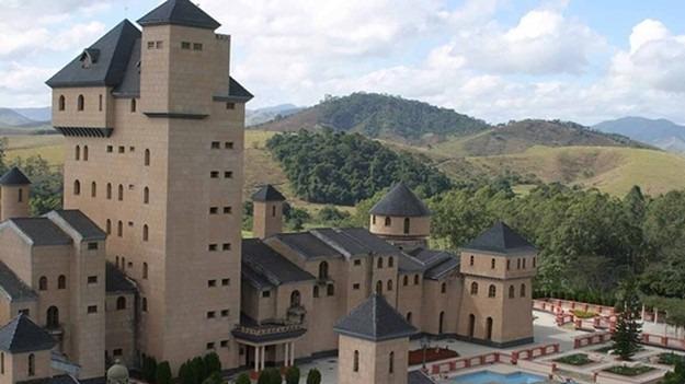 R$ 50 mi: castelo 'de deputado' será leiloado no interior de Minas